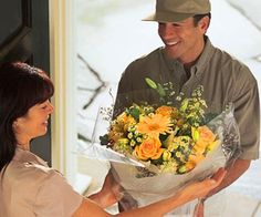 Online flower delivery - One of the convenience ways to deliver fresh flower Buy Flowers Online, Fresh Flowers Online, Fast Flowers, Flowers Uk, Send Flowers, Bridal Flowers, International Flower Delivery, Online Flower Delivery, Flower Delivery Service