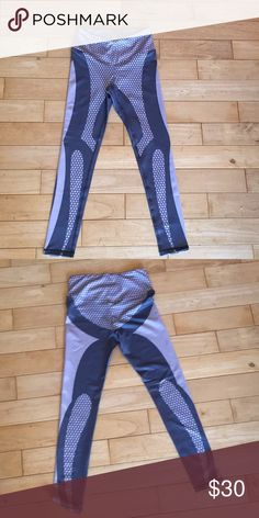 Silver/Grey Honeycomb Leggings 87% polyester 13% spandex New and not worn Size small but more like an XS!!! (Runs small) Full length leggings Pants Leggings