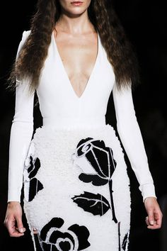 Viktor & Rolf Spring 2013 Ready-to-Wear Detail