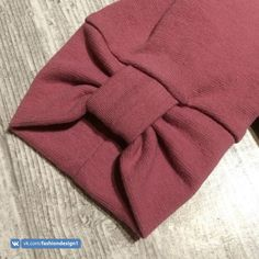 trendy sewing projects for kids dress Kurti Sleeves Design, Kurta Neck Design, Sleeves Designs For Dresses, Dress Neck Designs, Sleeve Designs, Sewing Dress, Sewing Sleeves, Sewing Clothes, Diy Clothes