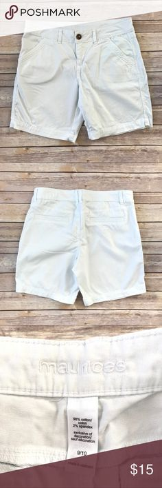 """Maurices Shorts White pre-loved chino shorts with front and back pockets. Has a zipper fly with a button. Made from 98% cotton/2% spandex.  Labeled size 9/10. Measures 16.5"""" across the front of the waist, 7.75"""" inseam, and 9.25"""" front rise. 20066-718 Maurices Shorts"""