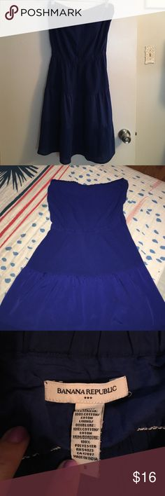 Banana republic royal blue strapless dress. Banana republic blue mid length strapless dress in great condition. The fabric is rouged throughout with a thick strip of silky material towards the bottom. Full length of dress is 31 in. Banana Republic Dresses Strapless