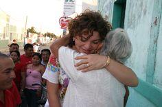 El sentir los abrazos me motivaban a seguir en el camino a la gubernatura.