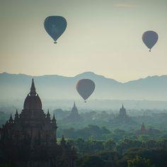 Balloon sunrise in Bagan #travel #bagan #myanmar #wanderlust #temple #sunrise #sunset #balloon
