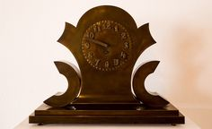 Gočár - bronzové hodiny rondokubismus