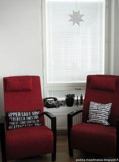 Living room Living Room, Rugs, Home Decor, Farmhouse Rugs, Decoration Home, Room Decor, Home Living Room, Drawing Room, Lounge