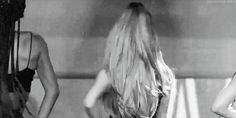 Ariana Grande Honeymoon Tour Succeeding Greatly! Adds 35 North American Tour Dates - http://oceanup.com/2015/03/28/ariana-grande-honeymoon-tour-succeeding-greatly-adds-35-north-american-tour-dates/