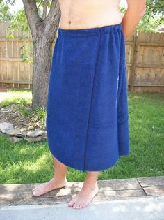 Men's Spa Towel Wrap - There's no velcro here, y'all! She uses snaps. These wash well and wear well and last FOREVER!