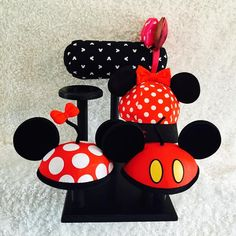 Excited to share this item from my shop: Single Row Mouse Ear Display and 4 Hat Holders Display Your Mouse Ears! Don't hide them in boxes and drawers. Hat Holder, Disney Diy, Baby Disney, Disney Trips, Spring Crafts For Kids, Mickey Mouse Ears, Necklace Display, Handmade Items, Etsy Shop
