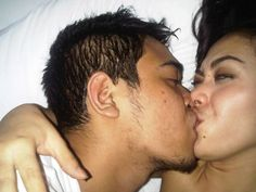 foto syahrini lagi ciuman
