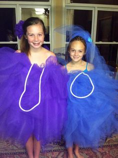 My sister and her best friend as a loofa for Halloween! So cute and DIY!