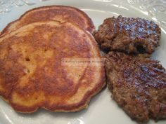 Pork Rind French Toast Cakes, Induction Friendly - also uses golden flax meal - tastes a lot like traditional French toast; they just don't look like traditional French toast! Makes 4 cakes at g net carbs each Low Carb Pancakes, Low Carb Bread, Pancakes And Waffles, Low Carb Breakfast, Low Carb Keto, Low Carb Recipes, Breakfast Recipes, Cooking Recipes, Breakfast Ideas