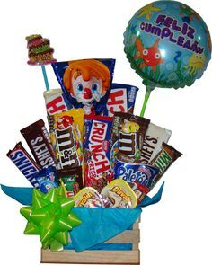 Gifts Ideas For Him Graduation Ideas Happy Birthday Gifts, Friend Birthday Gifts, Diy Birthday, Candy Bouquet Diy, Diy Bouquet, Candy Gifts, Jar Gifts, Candy Gift Baskets, Candy Arrangements