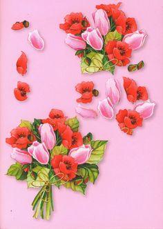Букет из маков и тюльпанов создаст весеннее настроение