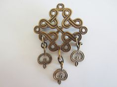I have this one in silver! With a chain! =) Vintage Kalevala Koru Bronze Brooch // by YearsSinceYesterday, Christian World, Small Heart, Almost Always, Vintage Brooches, Traditional Outfits, Finland, Belly Button Rings, Im Not Perfect, Flaws