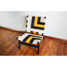 Style Lounge, Queen Bees, Toss Pillows, Teak Wood, Midcentury Modern, Floor Chair, Solid Wood, Accent Chairs, Ottoman