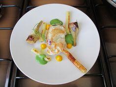 Pommes de terre Artichaut et  poulet cordon bleu cylindre paprika , carottes et betteraves sauces Gino D' Aquino
