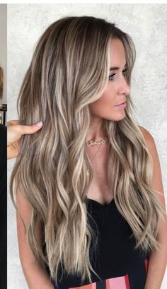 Love her hair - Modern Blonde Hair With Roots, Blonde Hair Looks, Brown Blonde Hair, Brunette Hair, Beige Blonde Balayage, Ombre Blond, Gorgeous Hair Color, Light Hair, Hair Highlights