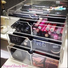 How I store my makeup in the Original Beauty Box.