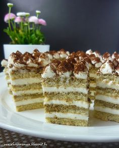 Az áfonya mámora: Tiramisu kocka Tiramisu, Sweets, Snacks, Cake, Ethnic Recipes, Appetizers, Good Stocking Stuffers, Candy, Food Cakes
