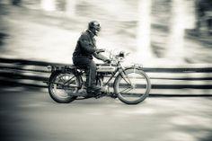Vintage motorcycle at Prescott Hill Photo: April 2012