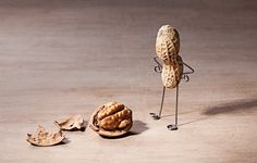 What vitamins and minerals help vitamin D out? Find out how vitamins K and A and the minerals magnesium, zinc and boron interact with vitamin D. Walnut Brain, Zinc Benefits, Magnesium Vitamin, Thyroid Disease, Leaky Gut, Creative Artwork, Vitamins And Minerals, Bring It On, Place Card Holders