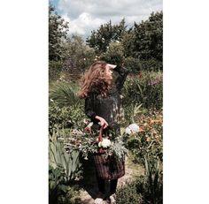 #girl #dutch #photography #flowers
