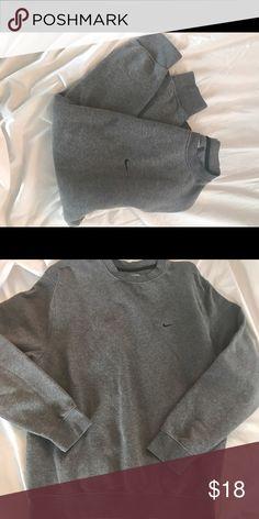 🎉🎉Nike Sweatshirt 🎉🎉 💞💞Gray Nike Sweatshirt🎉🎉 Nike Tops Sweatshirts & Hoodies