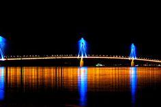 Οι 50… «αποχρώσεις του μπλε» της Γέφυρας Ρίου – Αντιρρίου (video)