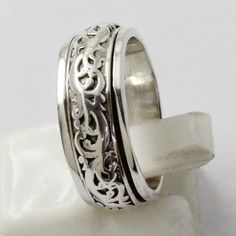 BEAUTIFUL DESIGN SPINNING RING IN 925 STERLING SILVER FROM SILVEX IMAGES #SilvexImagesIndiaPvtLtd #Spinner