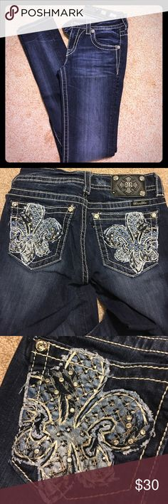 Miss Me Jeans Miss Me Skinny jeans. Used but in excellent condition! Miss Me Jeans Skinny