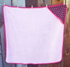 Hooded Baby Towel Tutorial - Harts Fabric Blog: Sew Your Hart Out