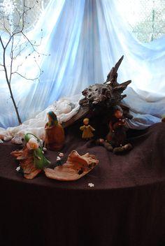 Spring Nature Table, Waldorf Kindergarten, Waldorf Crafts, Classroom Organisation, Felt Dolls, Mother Earth, Felting, Seasons, Inspiration