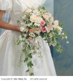 wedding bouquet ideas | ... luxurious feel to a bouquet that is really gorgeous in every way