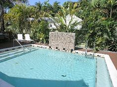 Isla Bella-A Gorgeous Tropical Oasis with Parking & Jacuzzi