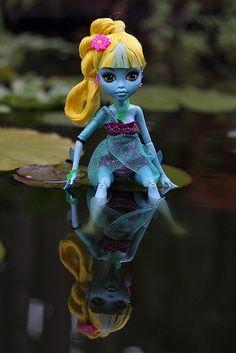 All Monster High Dolls, Monster High Makeup, Monster High Party, Love Monster, Monster Dolls, Barbie 80s, Ever After High, Vampires, Personajes Monster High