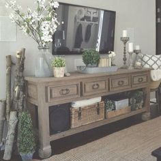 Amazing 50+ Shabby Chic Farmhouse Living Room Decor Ideas https://cooarchitecture.com/2017/05/08/50-shabby-chic-farmhouse-living-room-decor-ideas/