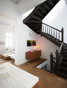 Open stairs. I have always loved this type of design.
