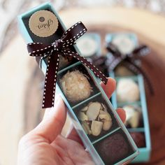 5 Brigadiere - Wine and cheese - Dessert Brownie Packaging, Bakery Packaging, Chocolate Packaging, Food Packaging Design, Chocolate Wrapping, Chocolate Bark, Chocolate Gifts, Chocolate Truffles, Dessert Boxes
