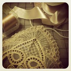Making a beaded bib necklace with a beautiful vintage lace :)