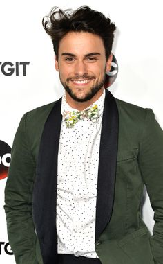 """How to Get Away With Murder's Jack Falahee on the Fate of """"Coliver"""" and Why Sam's Killer Will Surprise You How to Get Away with Murder, Jack Falahee"""