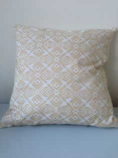 "20"" x 20"" Aztec Pillow Cover on Etsy, £34.00"