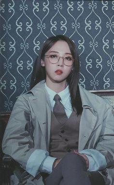 2019 Mamamoo Season's Greetings - Moonbyul Kpop Girl Groups, Korean Girl Groups, Kpop Girls, K Pop, Mode Kpop, Mamamoo Moonbyul, Soyeon, Girl Bands, Ulzzang Girl