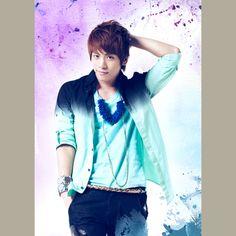 SHINee Jonghyun - oh, nice shirt!
