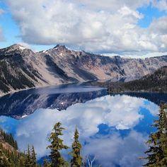 Crater Lake via @zhizhi.travel