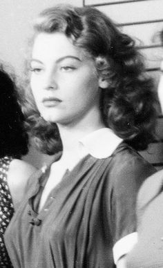 ~Old Hollywood~ - deforest: Ava Gardner in an early uncredited role. Viejo Hollywood, Hollywood Icons, Old Hollywood Glamour, Golden Age Of Hollywood, Vintage Hollywood, Hollywood Stars, Hollywood Actresses, Classic Hollywood, Glamour Hollywoodien