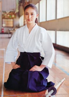 Collection of photos showing the beauty of Japan including landscape photos,Japanese martial arts, Samurai history and beautiful Japanese women.