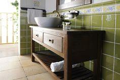 Výsledek obrázku pro retro dřevěná koupelnová skříňka pod umyvadlo