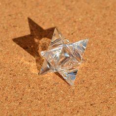 クリアクォーツ・星形二重正四面体(マカバ) - フラワーオブライフの、K Cジョーンズ・クリスタルショップです。