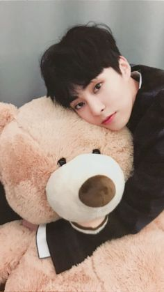 Read EXO - Xiumin from the story K-icons by hafu_desu (b e a) with 35 reads. Exo Chen, Exo Xiumin, Kpop Exo, Exo Kai, Exo Ot12, Kaisoo, Kim Minseok Exo, Wattpad, Beatles